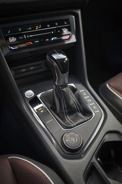 2022 Volkswagen Tiguan SEL R-Line - USA version 107