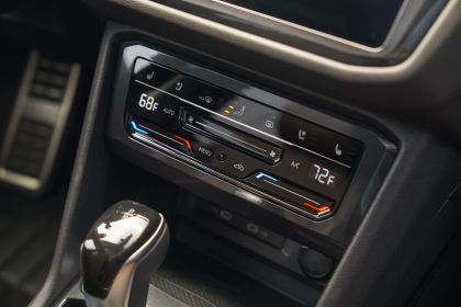 2022 Volkswagen Tiguan SEL R-Line - USA version 109