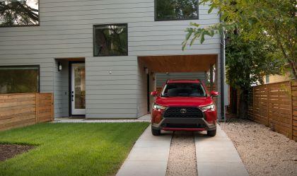 2022 Toyota Corolla Cross LE - USA version 5