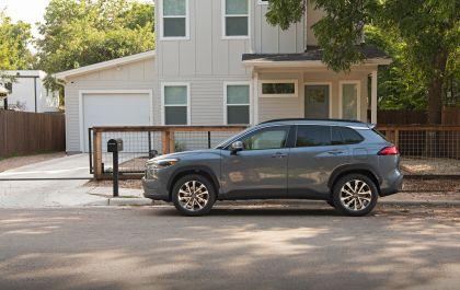 2022 Toyota Corolla Cross XLE - USA version 12