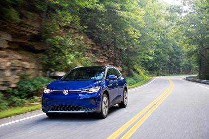 2022 Volkswagen ID.4 AWD Pro S with Gradient Package - USA version 11