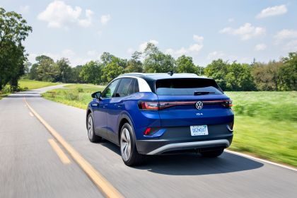 2022 Volkswagen ID.4 AWD Pro S with Gradient Package - USA version 19