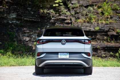 2022 Volkswagen ID.4 AWD Pro S with Gradient Package - USA version 44
