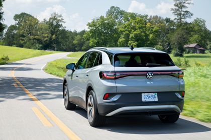 2022 Volkswagen ID.4 AWD Pro S with Gradient Package - USA version 61