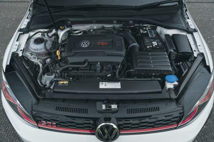 2017 Volkswagen Golf ( VII ) GTI 3-door Performance - UK version 9