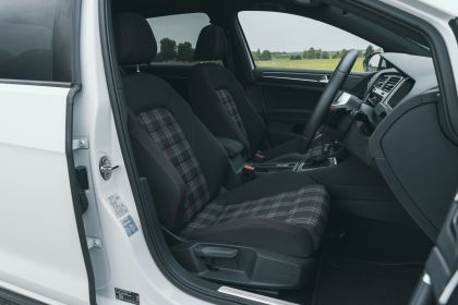 2017 Volkswagen Golf ( VII ) GTI 3-door Performance - UK version 10