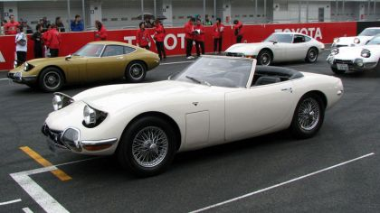 1967 Toyota 2000GT roadster 6