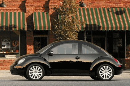 2008 Volkswagen New Beetle 5