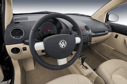 2008 Volkswagen New Beetle 6