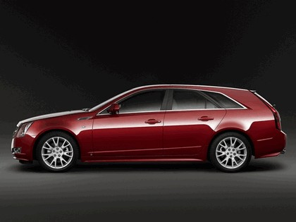 2008 Cadillac CTS Sport Wagon 2