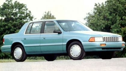 1993 Plymouth Acclaim 8