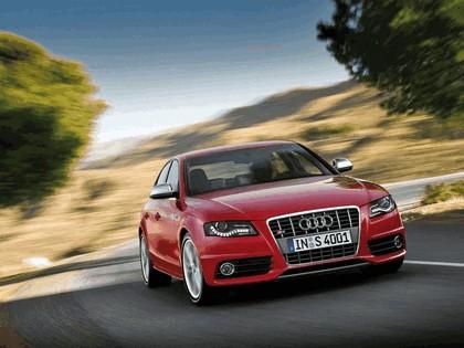 2008 Audi S4 25