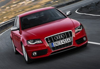 2008 Audi S4 36