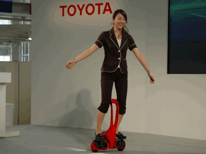 2008 Toyota Winglet - personal transport assistance robot 3