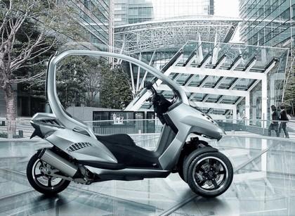 2008 Peugeot HYmotion3 Compressor 2