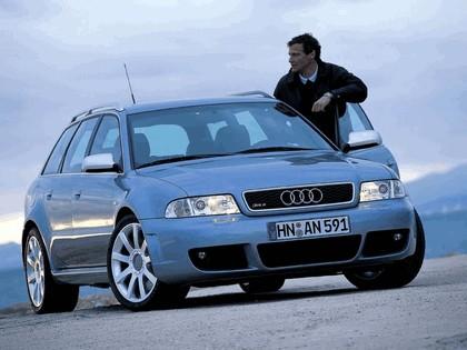 2000 Audi RS4 12