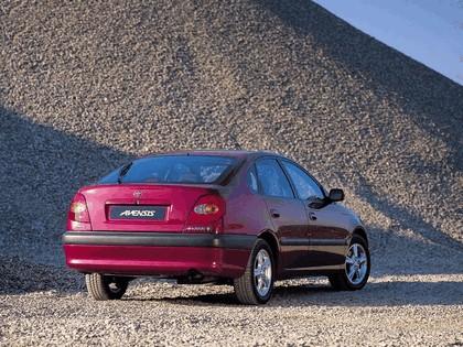 1997 Toyota Avensis hatchback 3