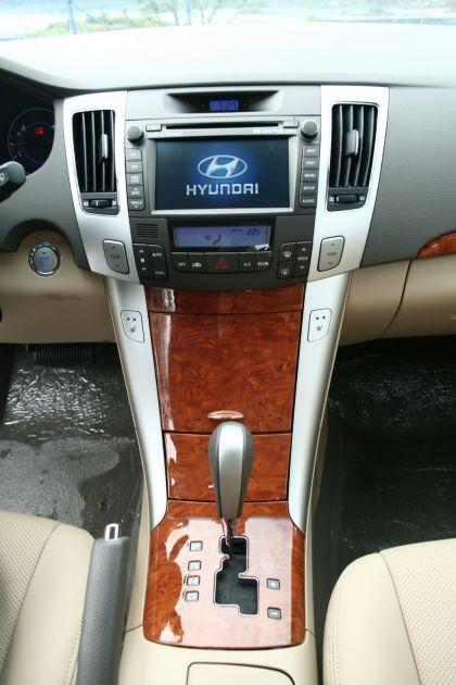 2008 Hyundai Sonata sedan 14