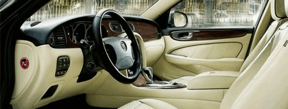 2009 Jaguar XJ Portfolio 13
