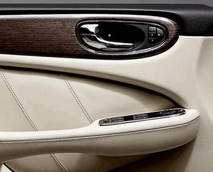 2009 Jaguar XJ Portfolio 15