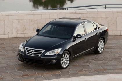 2009 Hyundai Genesis sedan 4