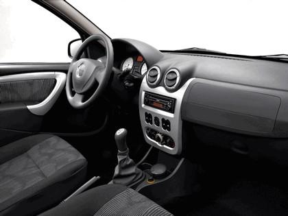2009 Dacia Logan 27