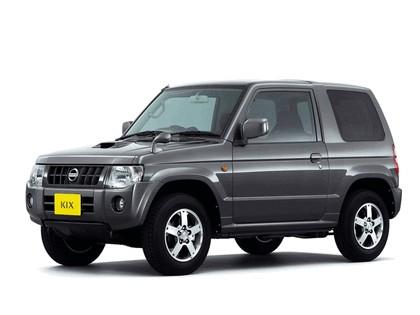 2009 Nissan Kix 1