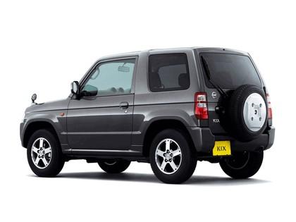 2009 Nissan Kix 2