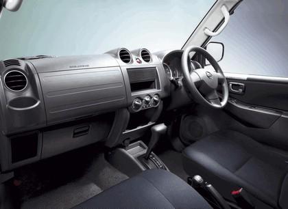 2009 Nissan Kix 7