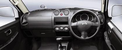2009 Nissan Kix 10