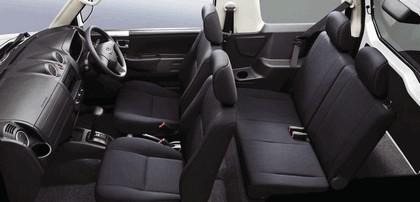 2009 Nissan Kix 11