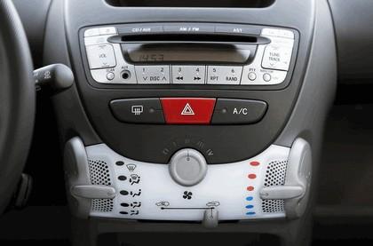 2009 Peugeot 107 8