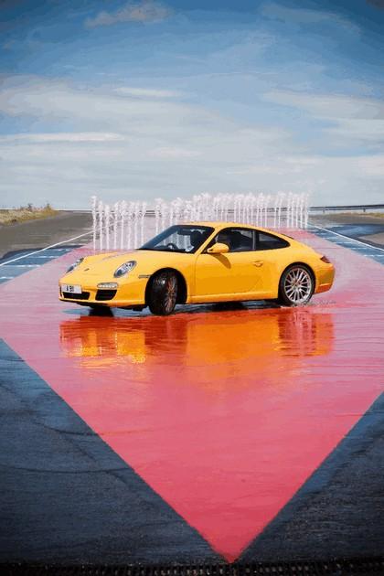 2009 Porsche driving experience centre at Silverstone 3