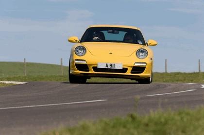 2009 Porsche driving experience centre at Silverstone 5