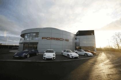 2009 Porsche driving experience centre at Silverstone 17