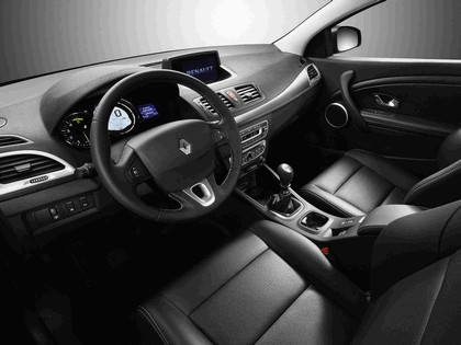 2009 Renault Megane coupé 33