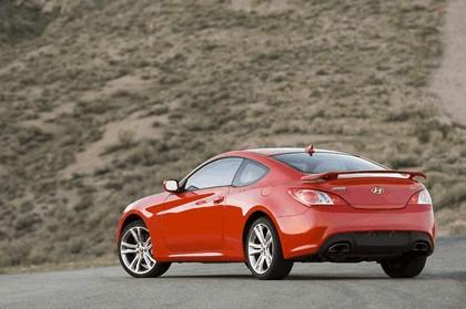 2010 Hyundai Genesis Coupe 11