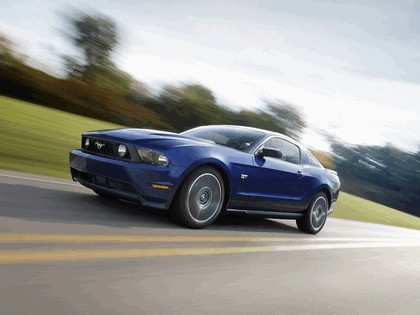 2010 Ford Mustang 11