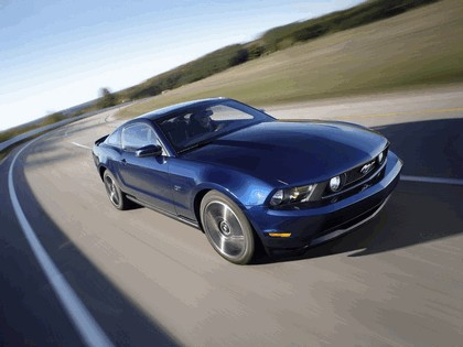 2010 Ford Mustang 12
