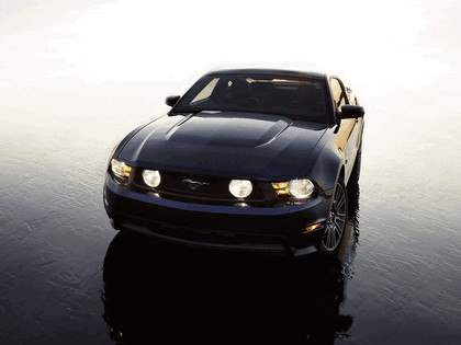 2010 Ford Mustang 18