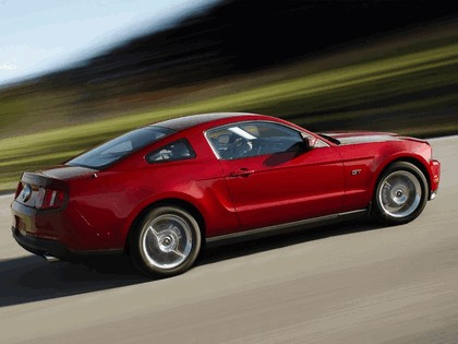2010 Ford Mustang 31
