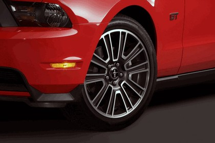 2010 Ford Mustang 82