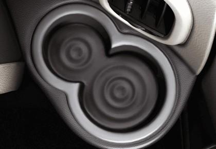 2010 Nissan Cube 76
