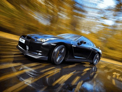 2009 Nissan GT-R black edition 4