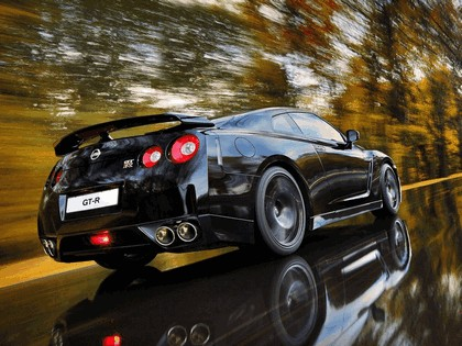 2009 Nissan GT-R black edition 6