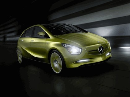 2009 Mercedes-Benz BlueZero concept 2