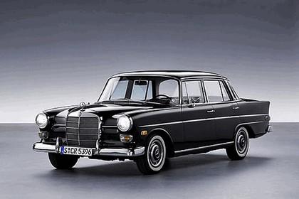 2008 Mercedes-Benz E-klasse history 4