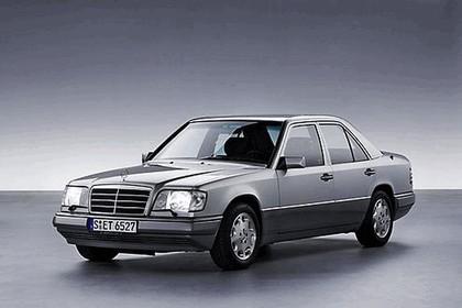 2008 Mercedes-Benz E-klasse history 7