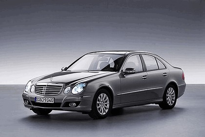 2008 Mercedes-Benz E-klasse history 9