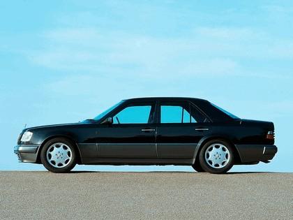 1993 Mercedes-Benz E500 ( W124 ) 4